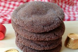 Rolo cookies are a yummy combination of a chocolaty cookie rolled in sugar and stuffed with a sweet caramel Rolo treat.