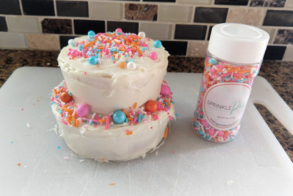 How to make and decorate a fun and simple smash cake for your baby's birthday!  Includes great and practical tips to help save money and time!