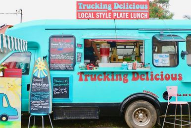 Knowing where to eat (and not eat) on Kauai will save you a lot of time and money, plus you'll have a happy tummy! (Trucking Delicious in Hanalei)