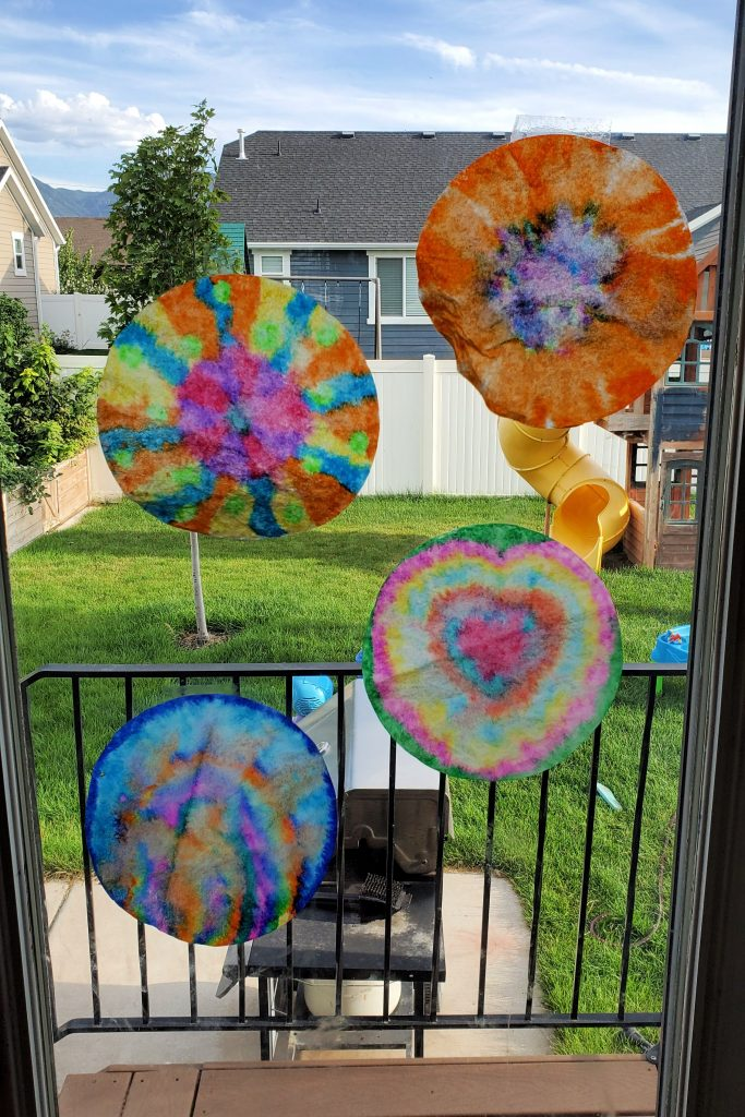 This tie dye coffee filter craft is easy and fun for all ages!  You can do this activity any time of year and it's great for ages 2+.