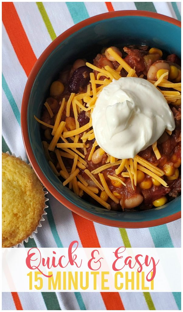 Quick and Easy 15 Minute Chili - Perfect for busy nights, cold days or even to take with you and heat up when you go camping!  Full of flavor and uses common pantry ingredients.  Can be served with sour cream, shredded cheese and tortilla strips or chips, as well as over baked potatoes!  My family loves to eat this with cornbread muffins.