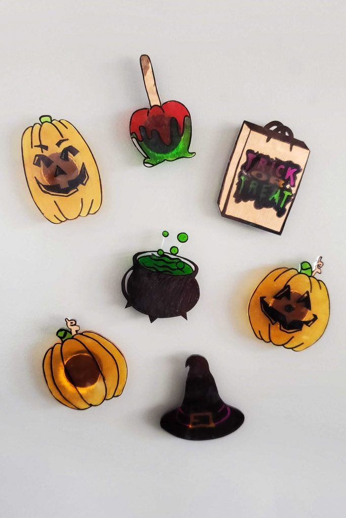 Shrinky Dinks Halloween magnets are a fun way to add as little, or as much, spookiness to your home as you want. Kids and adults alike will love this easy craft project!